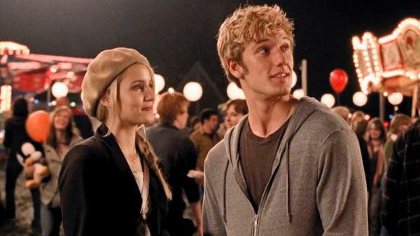 Dianna Agron and Alex Pettyfer appear in a scene from 'I Am Number Four.'