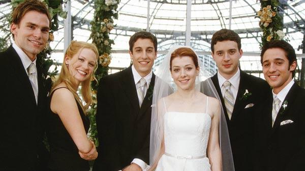Seann William Scott, January Jones, Jason Biggs, Alyson Hannigan, Eddie Kaye Thomas and Thomas Ian Nicholas appear in a still from American Wedding. - Provided courtesy of Universal Pictures