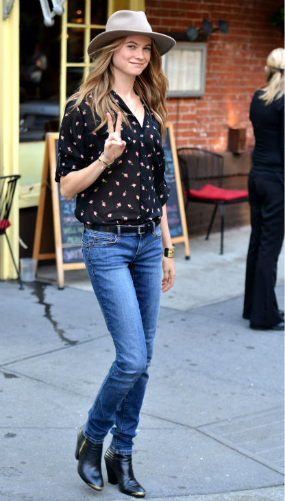 "<div class=""meta ""><span class=""caption-text "">Victoria's Secret Model Behati Prinsloo is seen ileaving a photo shoot n New York City on May 22, 2013. (Javier Mateo / Startraksphoto.com)</span></div>"