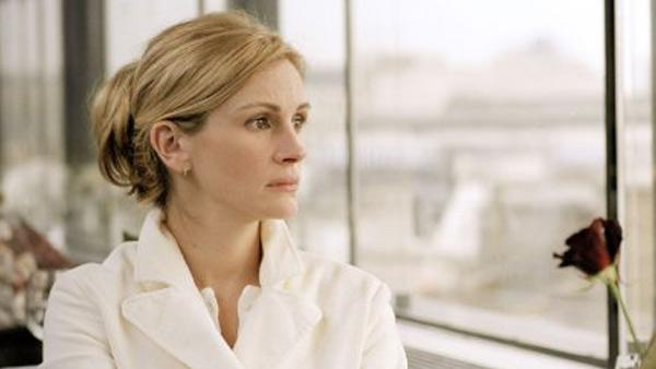 Julia Roberts in a still from the 2004 film, 'Closer.'