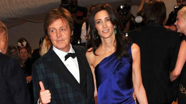 Paul McCartney and Nancy Shevell appear at the Costume Institute Gala at The Metropolitan Museum of Art on Monday, May 2, 2011. - Provided courtesy of Paul McCartneys Twitter page / twitpic.com/4u1wds