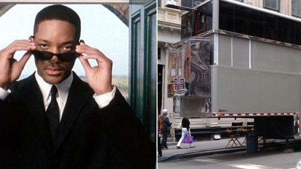 Will Smith appears in a scene from the 2002 movie Men in Black 2. / A New York City witness posted this photo of a monster double-decker trailer said to be used by Will Smith. - Provided courtesy of Melinda Sue Gordon / Sony Pictures / twitpic.com/photos/gillyarcht