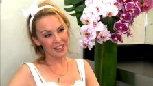 Kylie Minogue talks to OnTheRedCarpet.com. - Provided courtesy of OTRC