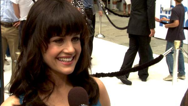 Carla Gugino talks 'Mr. Popper's Penguins'