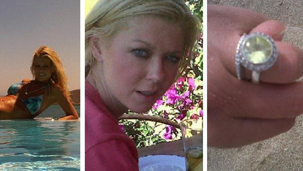 Tara Reid appears in a bikini in this photo posted on her Twitter page on Aug. 13, 2011. / Tara Reid appears in this photo posted on her Twitter page in May 2011. / Tara Reid posted this photo of a hand with a ring on Aug. 15, 2011. - Provided courtesy of twitter.com/TaraReid / yfrog.com/gyn94nnj / yfrog.com/h3au6yrj / yfrog.com/gy9d7ntj