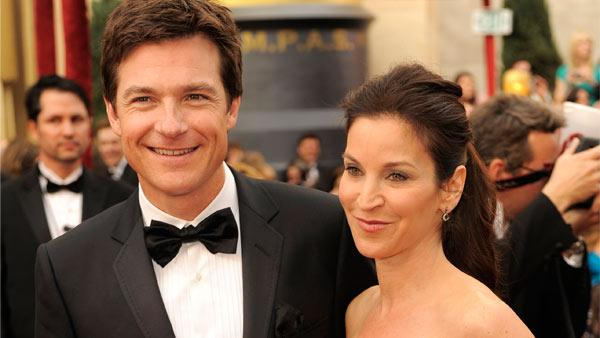 Jason Bateman and his wife Amanda Anka arrive the 82nd Academy Awards Sunday, March 7, 2010, in the Hollywood section of Los Angeles. - Provided courtesy of AP / Chris Pizzello