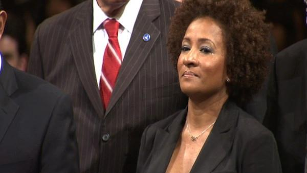 Wanda Sykes receives the Hope of Los Angeles Award in Los Angeles for her work with the LGBT community in July 2011.