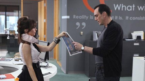 Hank Azaria and Natasha Leggero appear in a scene from the NBC show Free Agents. - Provided courtesy of Dean Hendler / NBC Universal