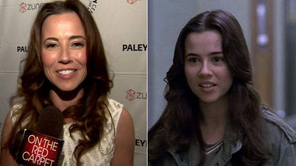 Linda Cardellini talks to OnTheRedCarpet.com about 'Freaks and Geeks' at a PaleyFest event in March 2011. /  Linda Cardelli appears in a scene from 'Freaks and Geeks.'