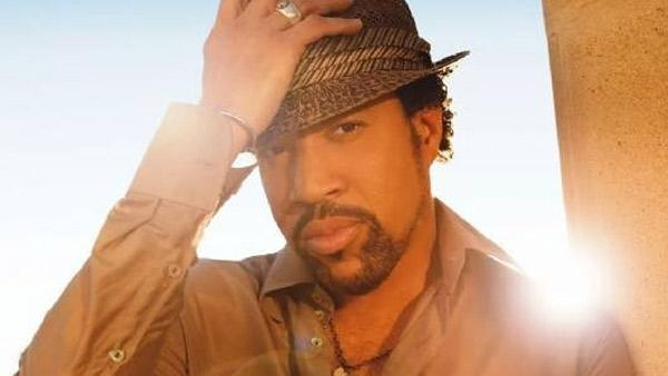 Lionel Richie appears in a photo posted on his Facebook page on Dec. 5, 2008. - Provided courtesy of facebook.com/LionelRichie