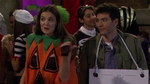 Katie Holmes and Josh Radnor appear in a scene from How I Met Your Mother. - Provided courtesy of CBS