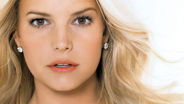 Jessica Simpson appears in an ad for BeautyMint from her official Facebook page. - Provided courtesy of Facebook.com/JessicaSimpson
