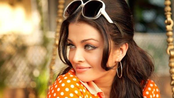 Aishwarya Rai Bachchan in a scene from the 2010 film Action Replayy.