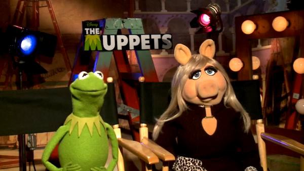 Kermit and Miss Piggy talk about 'The Muppets'