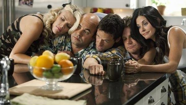 Courteney Cox, Josh Hopkins, Busy Philipps, Ian Gomez and Brian Van Holt appear in a still from Cougar Town. - Provided courtesy of ABC / Adam Rose