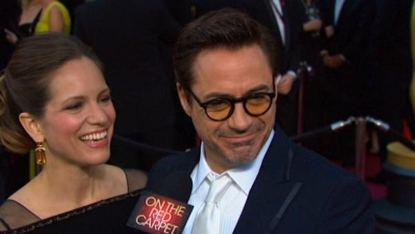 On The Red Carpet talks with actor Robert Downey Jr. on the Oscar red carpet.
