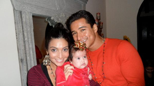 Mario Lopez and Courney Mazza appear in a photo from Mazza's official Twitter page.