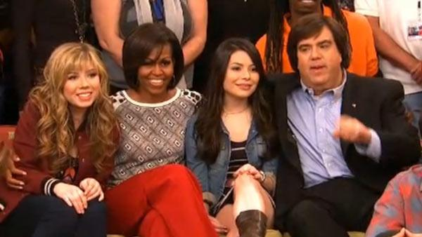 Jennette McCurdy, Michelle Obama, Miranda Cosgrove and Dan Schneider appear on a January 2012 clip of iCarly. - Provided courtesy of Nickelodeon Network