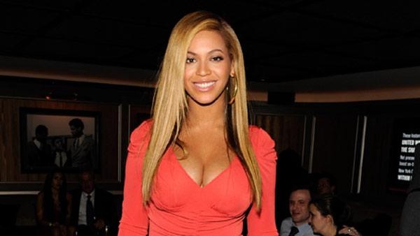Beyonce attends the after party following Jay-Zs concert at Carnegie Hall to benefit The United Way Of New York City and the Shawn Carter Foundation at the 40 / 40 Club on February 6, 2012 in New York City. - Provided courtesy of Kevin Mazur/WireImage
