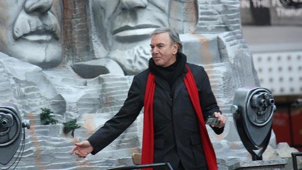 Neil Diamond appears on Mount Rushmore's American Pride Float during the Macy's Thanksgiving Day Parade on No. 24, 2011.