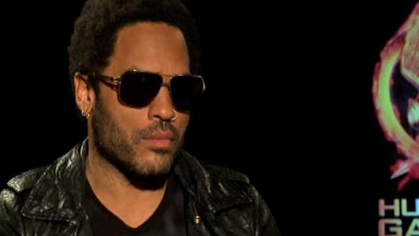 Lenny Kravitz: 'Cinna' signs in concerts