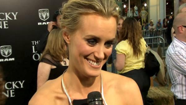Taylor Schilling talks kissing Zac Efron