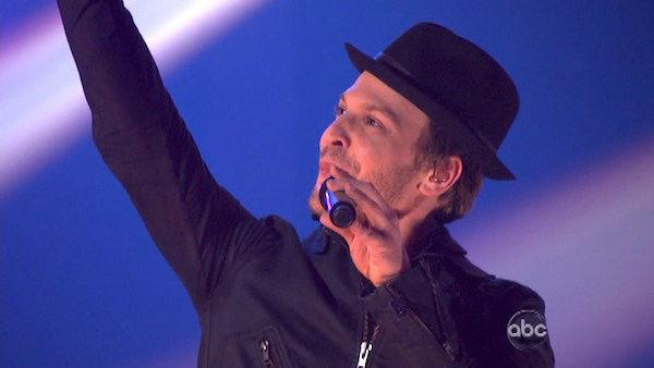 Gavin DeGraw returned to the ballroom as a special musical guest. He performed his new single 'Sweeter' on 'Dancing With The Stars: The Results Show' on Tuesday, May 1, 2012. The song was accompanied on the dance floor by his former partner Karina Smirnof