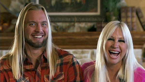 Linda Hogan and Charley Hill appear in a scene from the 2012 VH1 reality show Couples Therapy. - Provided courtesy of VH1
