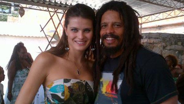 Isabeli Fontana and Rohan Marley appear in a photo posted on the models official Twitter page on November 3, 2011. - Provided courtesy of Yfrog.com/h3t27dmj