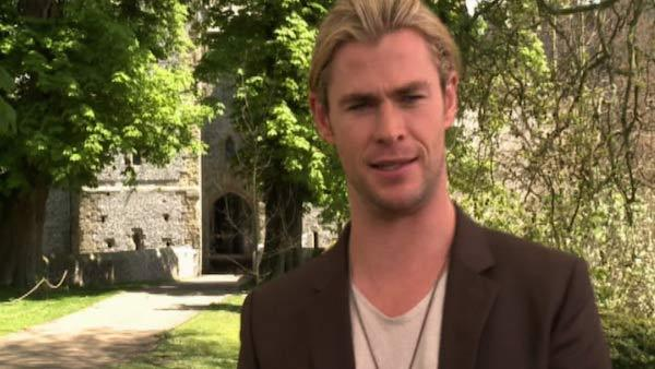 Chris Hemsworth: Kristen Stewart punched me