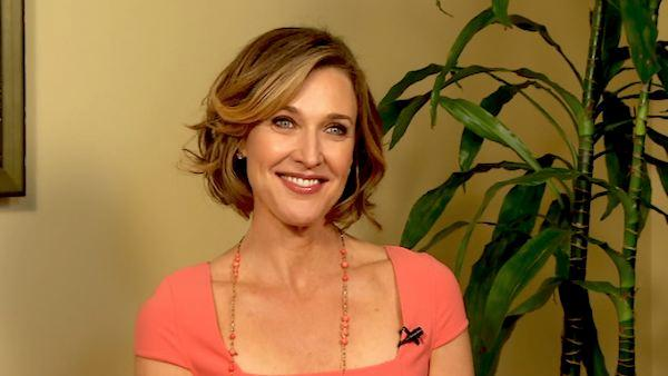 Brenda Strong dishes on the new 'Dallas'