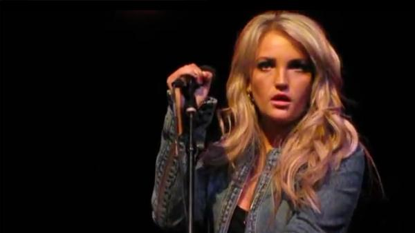 Jamie Lynn Spears performs at a club in Nashville, Tennessee on June 14, 2012. - Provided courtesy of YouTube