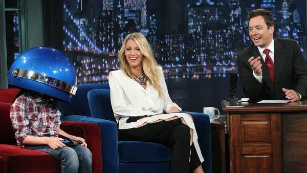 Blake Lively, her nephew and Jimmy Fallon appear in a still from the June 29, 2012 episode of Late Night With Jimmy Fallon. - Provided courtesy of NBC / Lloyd Bishop