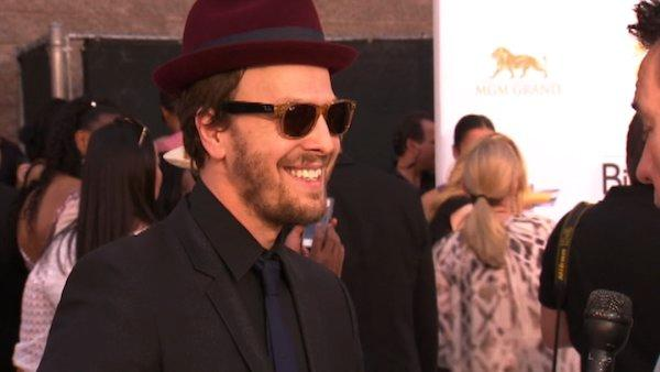 Gavin DeGraw talks to OnTheRedCarpet.com at the 2012 Billboard Awards on May 20, 2012.