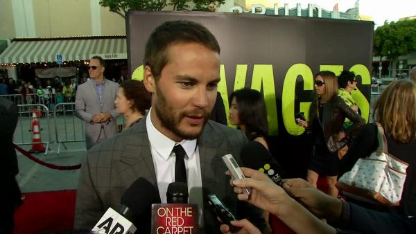 Taylor Kitsch talks baring butt in 'Savages'
