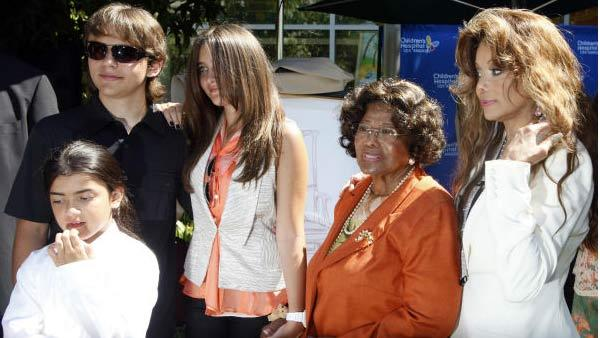 Members of the Jackson family, left to right, Blanket Jackson, Prince Jackson, Paris Jackson, Katherine Jackson and La Toya Jackson pose Monday Aug. 8, 2011 at Childrens Hospital in Los Angeles. - Provided courtesy of AP / Nick Ut