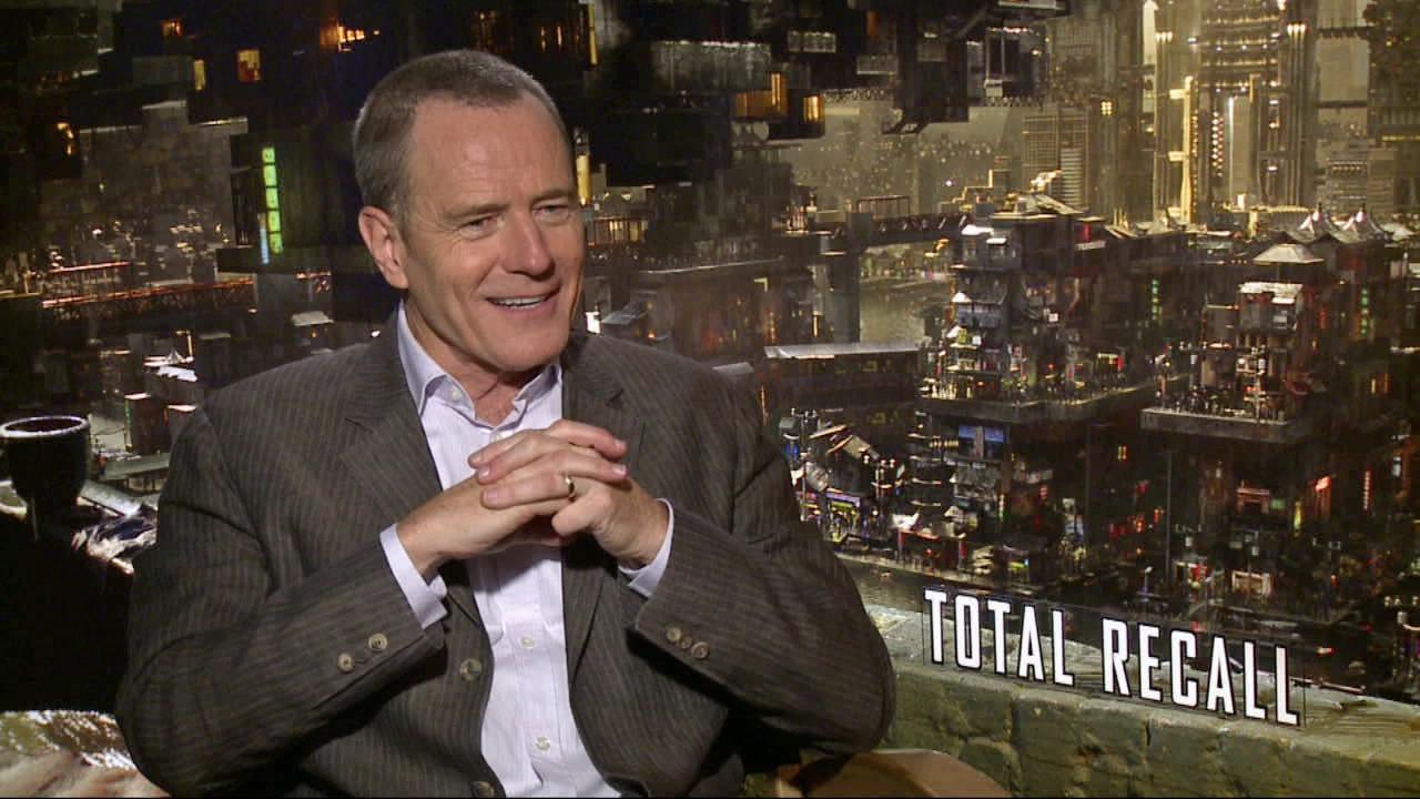 Bryan Cranston talks to OnTheRedCarpet.com about Total Recall in a July 2012 press junket for the film.