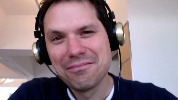 Michael Ian Black appears in a photo posted on his official Twitpic page.