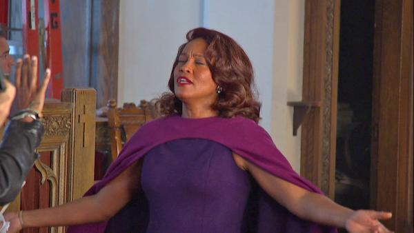 Whitney Houston films 'Sparkle' gospel scene