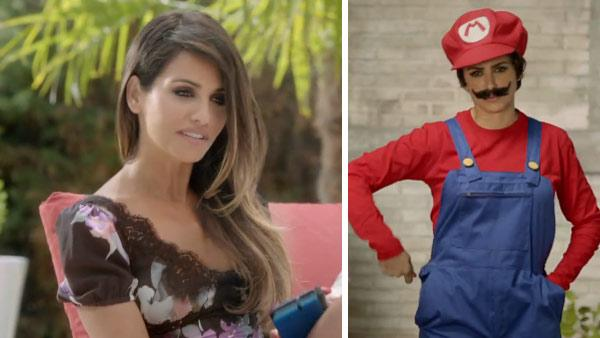 Monica and Penelope Cruz appear in an ad for Super Mario Bros. 2 for Nintendo 3DS and Nintendo 3DS XL in August 2012. - Provided courtesy of Nintendo
