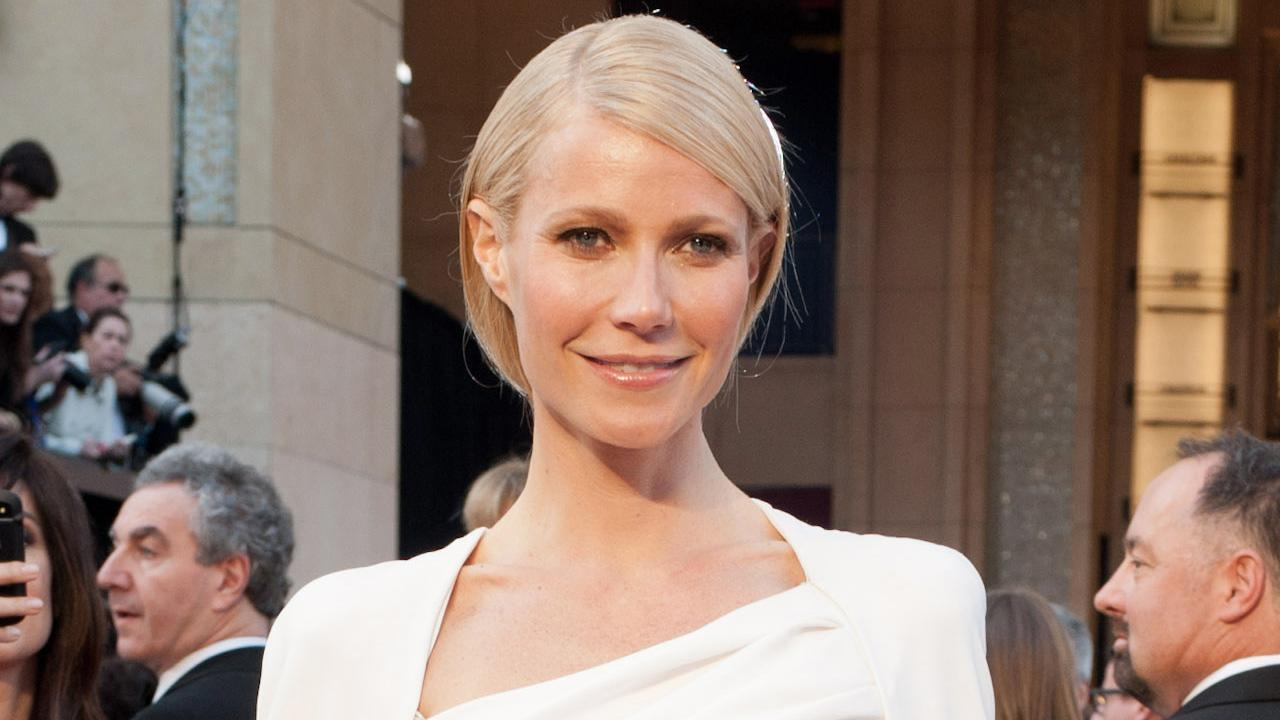 Gwyneth Paltrow arrives at the 84th Annual Academy Awards in Hollywood, CA on February 26, 2012.