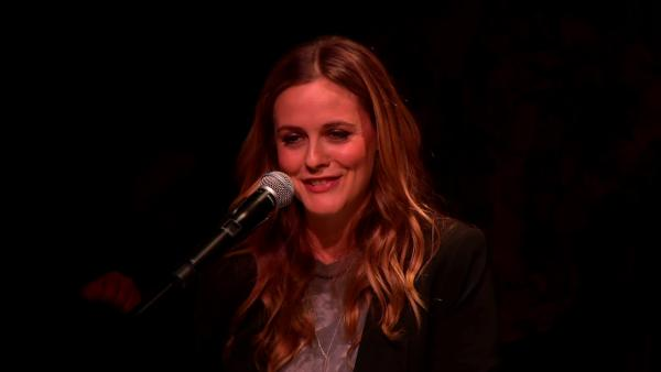 Alicia Silverstone speaks at Alanis Morissette's induction ceremony at the Guitar Center's Hollywood RockWalk on Aug. 21, 2012.