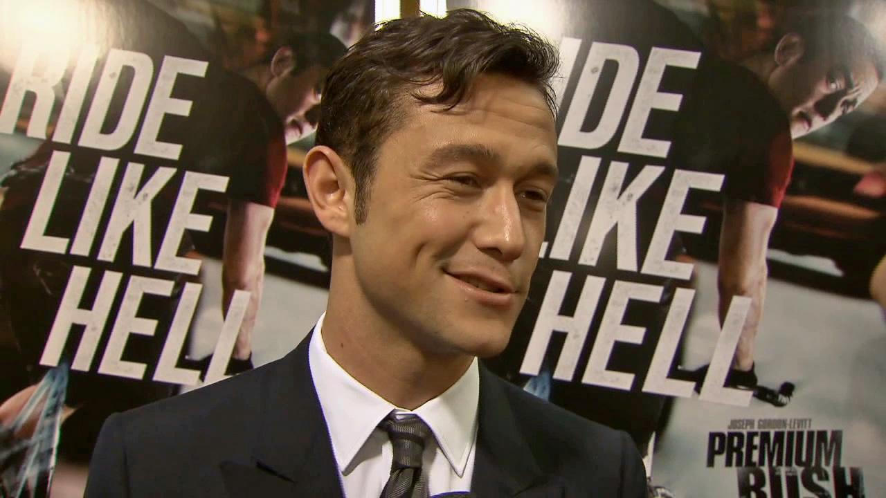 Joseph Gordon-Levitt talks to reporters at the August 22 premiere of Premium Rush.