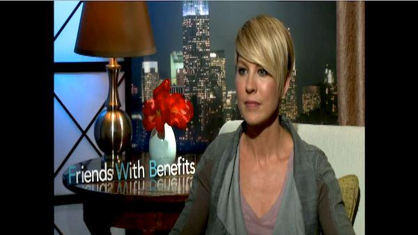 Jenna Elfman talkst to OnTheRedCarpet.com about 'Friends With Benefits.'
