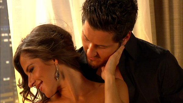 Kelly Monaco, Val Chmerkovskiy get close before 'DWTS: All-Stars'
