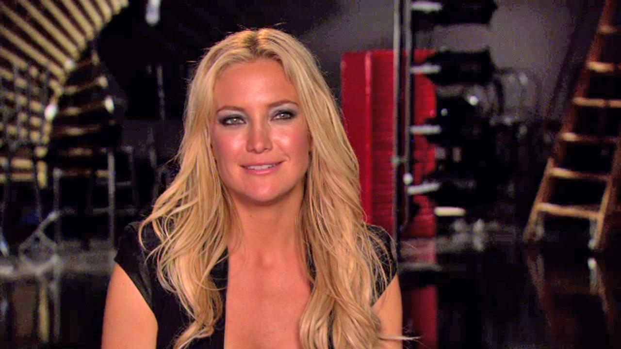Kate Hudson appears in a promotional clip for Glee season 4 in September 2012.