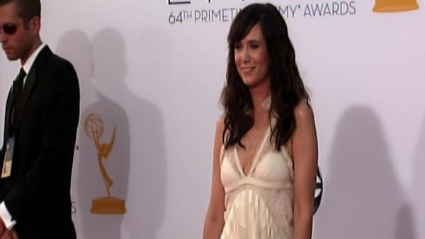 Kristen Wiig dazzles on the Emmys red carpet