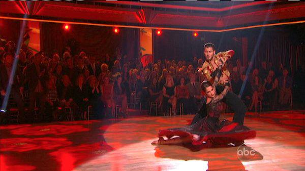 'General Hospital' actress Kelly Monaco and her partner Valentin Chmerkovskiy received 27 out of 30 points from the judges for their Paso Doble on 'Dancing With The Stars: All-Stars,' which aired on October 8, 201