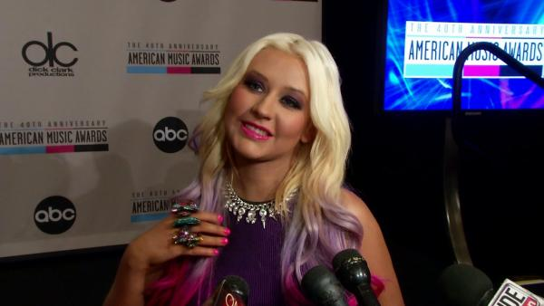 Christina Aguilera praises 'fun' Nicki Minaj, set to perform at AMAs