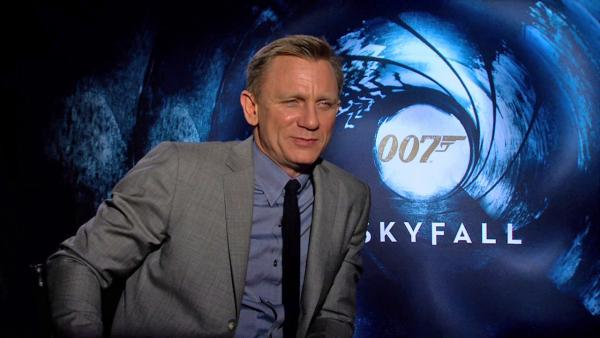 Daniel Craig talks stunts for 'Skyfall,' Javier Bardem